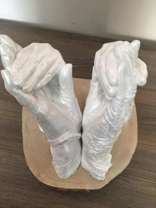 Hand-and-body-casting-elkaars-hand-vastnemen