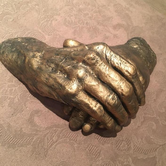 Hand-and-body-casting-handen-overledenen